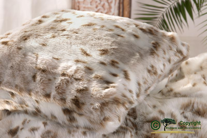 Fellkissen pelzkissen webpelzkissen 45x45cm schneeleopard for Wohnen und accessoires