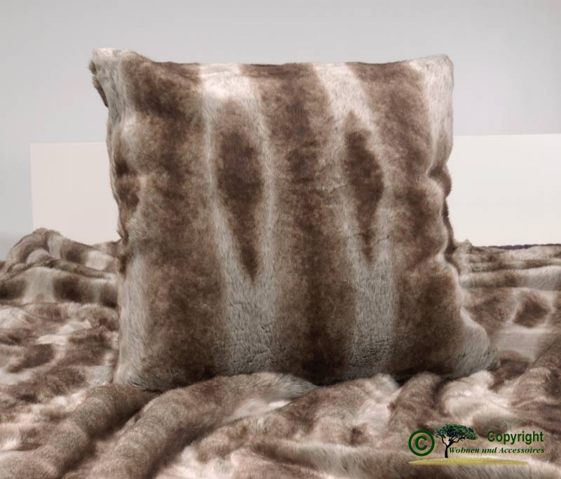 fellkissen pelzkissen webpelzkissen dekokissen wolf ii 45x45 ebay. Black Bedroom Furniture Sets. Home Design Ideas