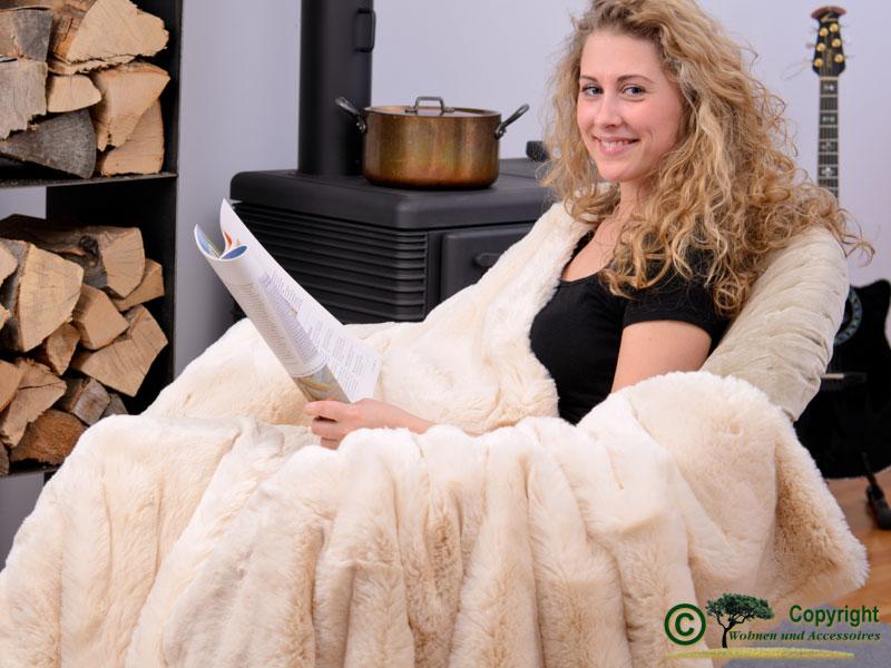 edle pelzdecke felldecke webpelzdecke kaninchen tissavel reduziert um 120. Black Bedroom Furniture Sets. Home Design Ideas